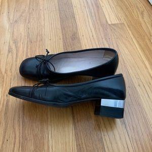 Chanel black leather Ballerina  pumps FR 35.5